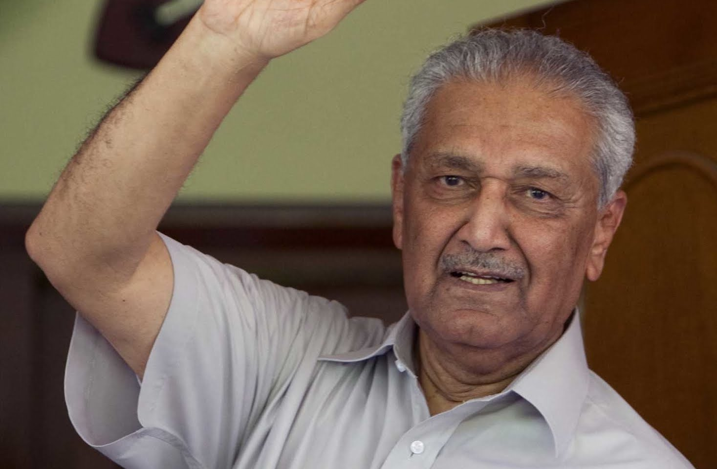 essay on doctor abdul qadeer khan Drqadeer did his great part, now nation need to get rid of thieves in upcoming elections.