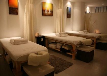 Top massage parlours in karachi for boys girls for Mona j salon karachi